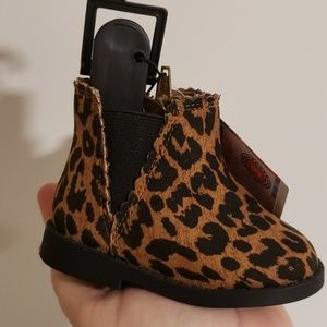 Other - Leopard boots!
